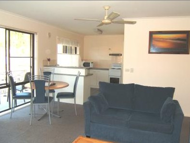 Ocean Drive Apartments - eAccommodation