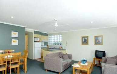 Beaches Holiday Resort - eAccommodation