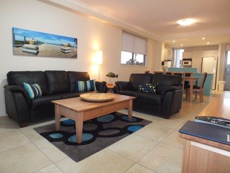 Pacific Marina Apartments - eAccommodation