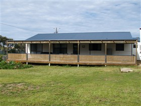 Surfin Sceales Beach House - eAccommodation