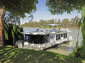 Moving Waters Self Contained Moored Houseboat - eAccommodation