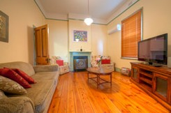 Semaphore Beach Cottage Bed and Breakfast - eAccommodation
