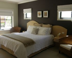 CeeSpray on Owen Bed and Breakfast - eAccommodation