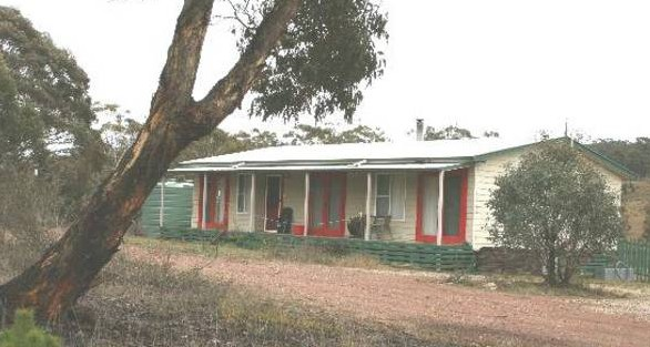 Christmas Tree Cottage - eAccommodation
