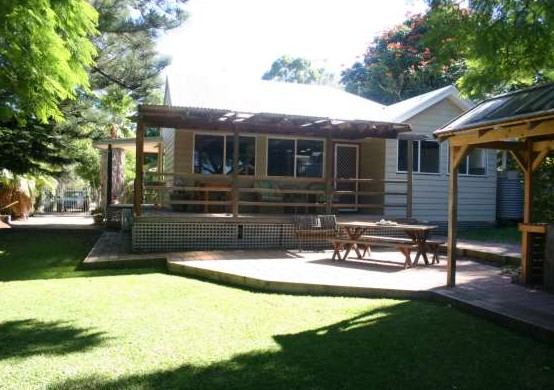 Pine Cottage - eAccommodation