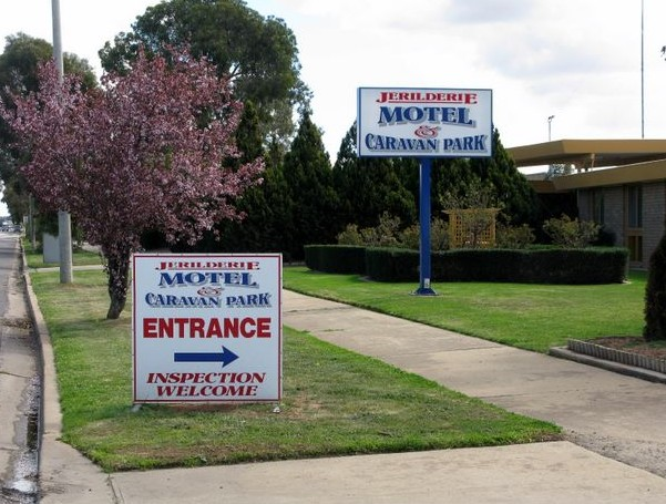 Jerilderie Motel and Caravan Park - eAccommodation