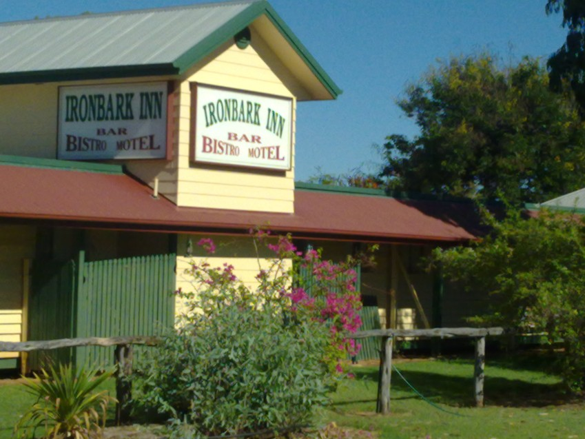 Ironbark Inn Motel - eAccommodation