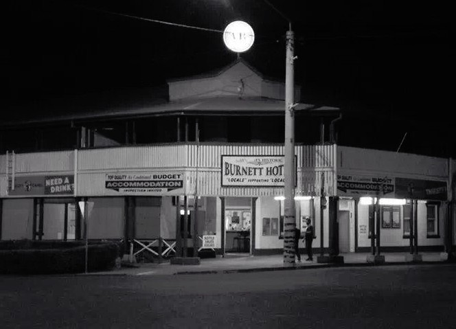 Burnett Hotel - eAccommodation