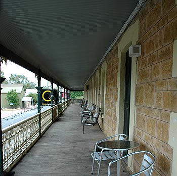 Hotel Mannum - eAccommodation