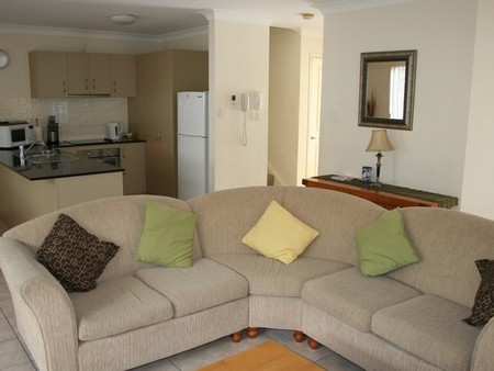 Pacific Sun Gold Coast Holiday Townhouse - eAccommodation