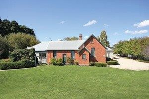 Woodend Old School House Bed and Breakfast - eAccommodation