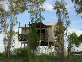 Fitzroy River Lodge - eAccommodation