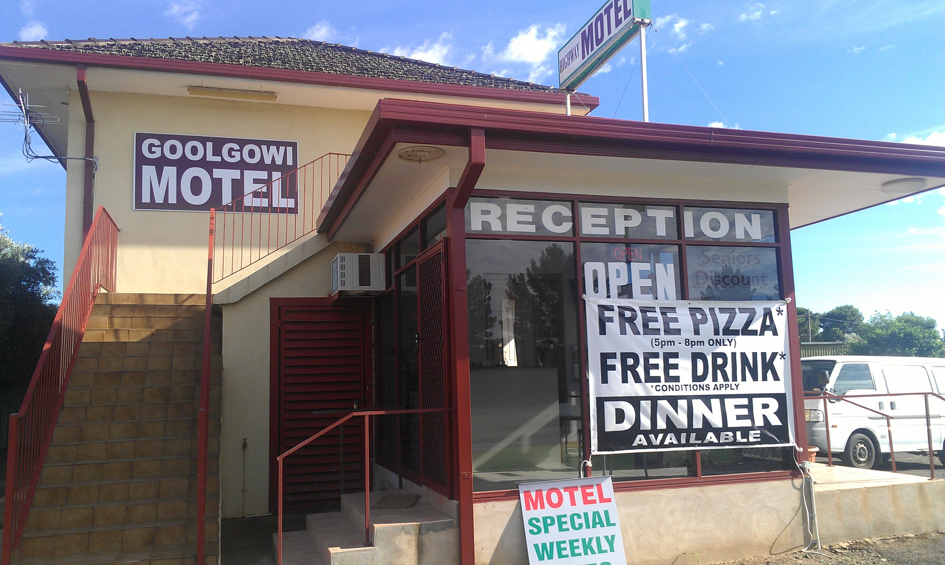 Royal Mail Hotel Goolgowi - eAccommodation