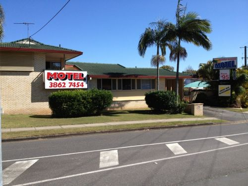 Aspley Sunset Motel - eAccommodation