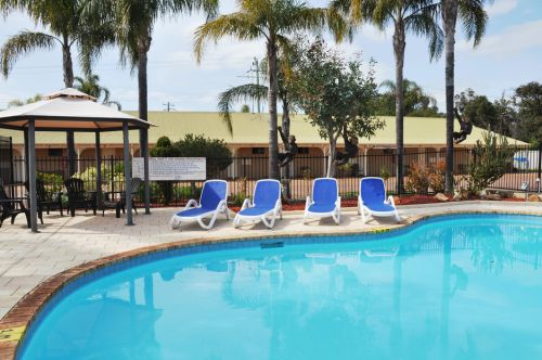 Pinjarra Resort  - eAccommodation