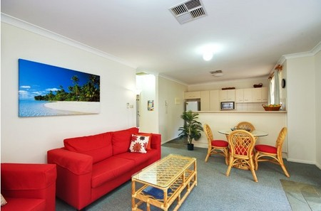 Beaches Serviced Apartments - eAccommodation