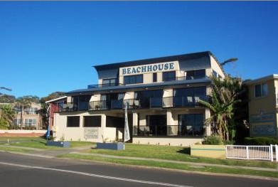 Beach House Mollymook - eAccommodation