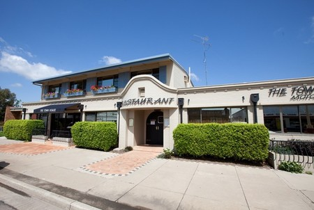 The Town House Motor Inn - Sundowner Goondiwindi - eAccommodation
