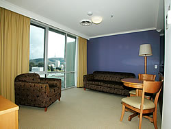 Waldorf Apartments Hotel Canberra - eAccommodation