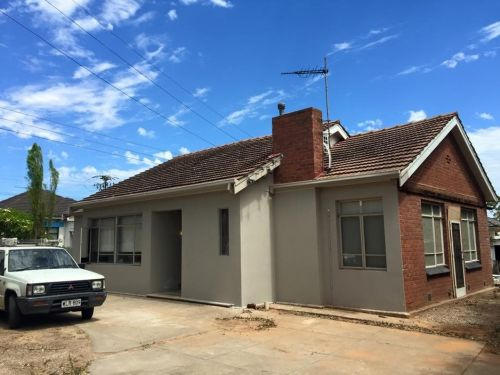 Adelaide Rooms - eAccommodation