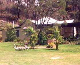 Kookaburra Cottage Farmstay - eAccommodation