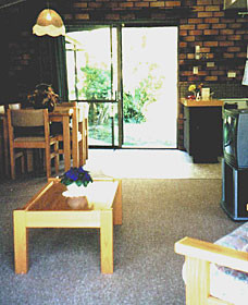 Falls Forest Retreat - eAccommodation