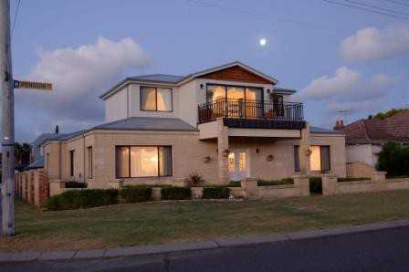 Holiday Apartments Perth - eAccommodation