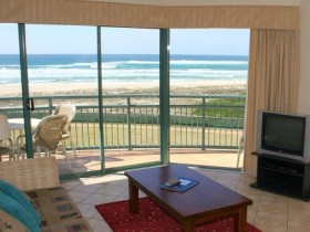 Currumbin Sands Holiday Apartments - eAccommodation