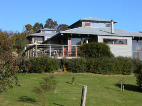 Buttlers Bend Holiday Villas - eAccommodation