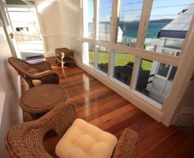 Sugarloaf Point Lighthouse Holiday Accommodation - eAccommodation