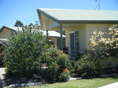 Pepper Tree Cabins - eAccommodation