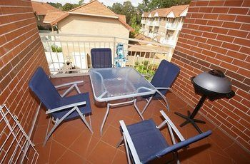 North Ryde 37 Cull Furnished Apartment - eAccommodation