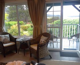 Hillside Bed and Breakfast - eAccommodation