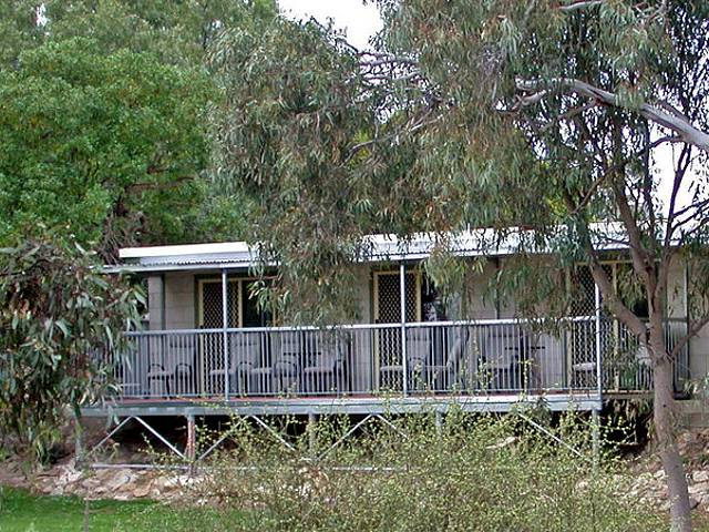 Donald Riverside Motel - eAccommodation