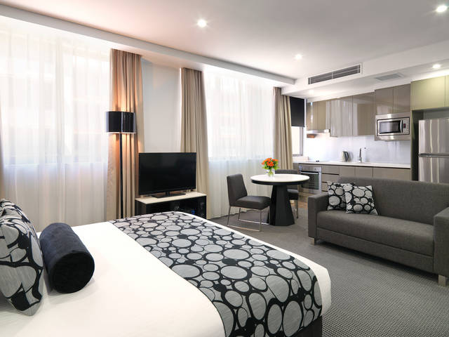 Meriton Serviced Apartments - North Ryde - eAccommodation