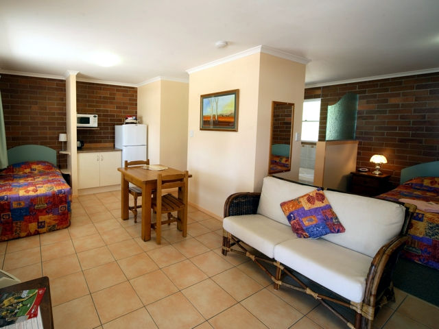 Rubyvale Motel  Holiday Units - eAccommodation