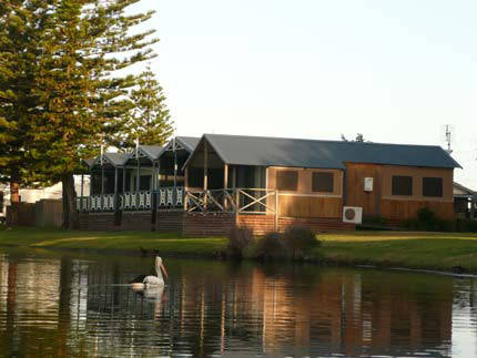 Two Shores Holiday Village - eAccommodation