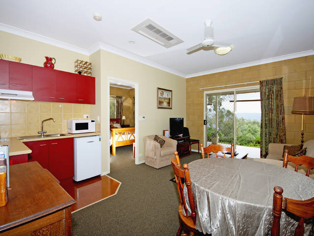 Wallaby Ridge Retreat - eAccommodation