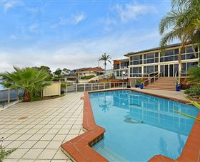 Waterfront Paradise - eAccommodation