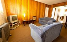 Snowy Mountains Motel - Adaminaby - eAccommodation