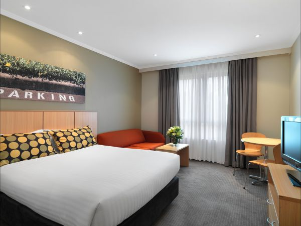 Travelodge Hotel Macquarie North Ryde Sydney - eAccommodation