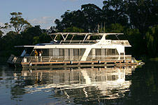 Whitewater Houseboat - eAccommodation
