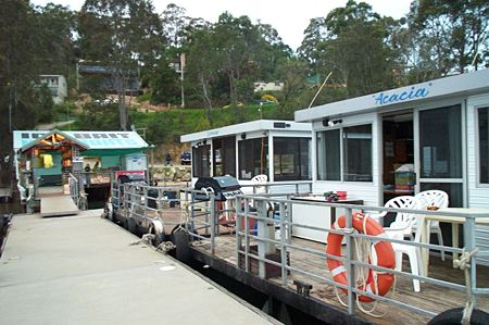 Clyde River Houseboats - eAccommodation