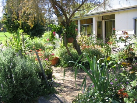 Warren Grange Farmstay and Bed  Breakfast - eAccommodation