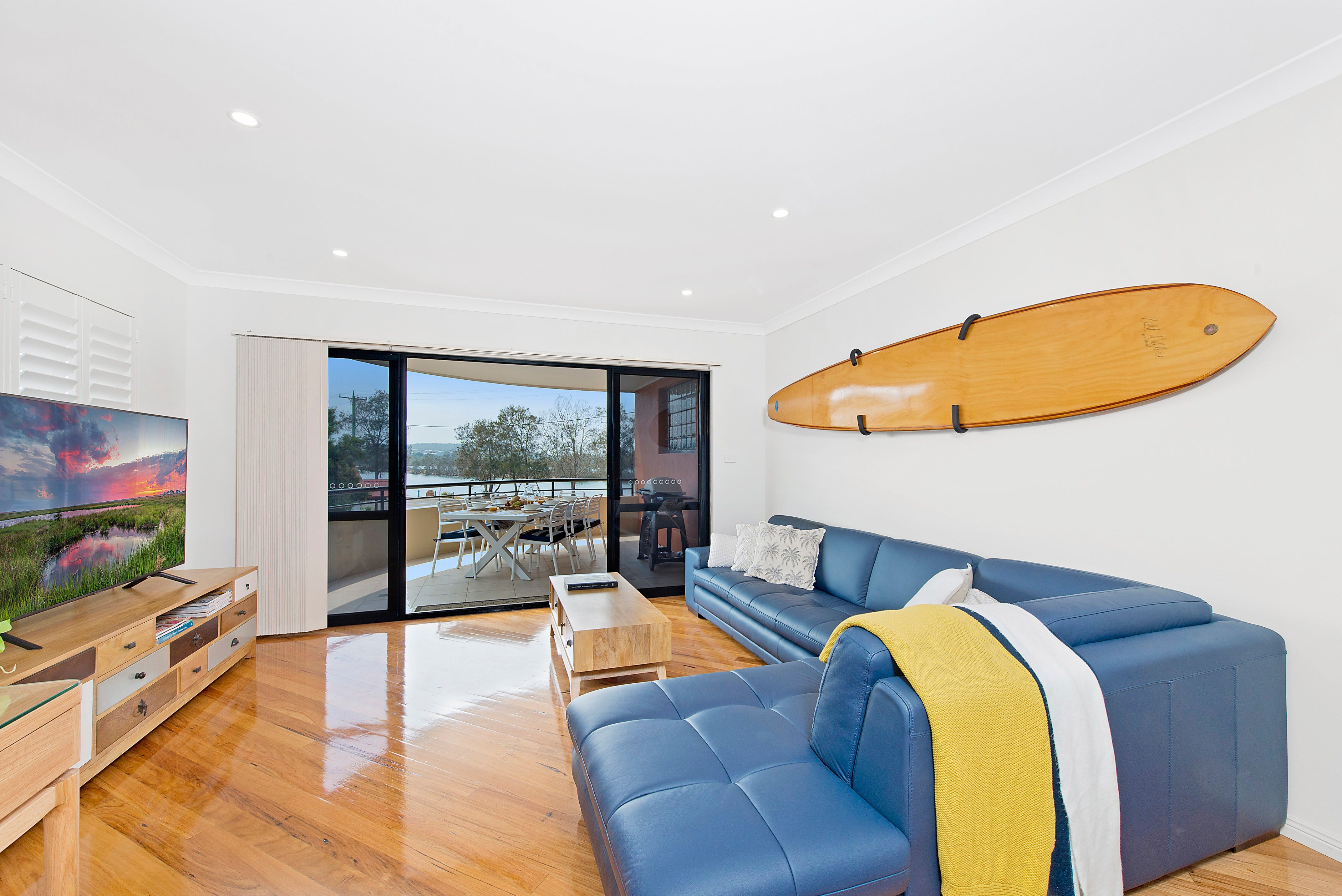 Dolphin Cove  North Haven - eAccommodation