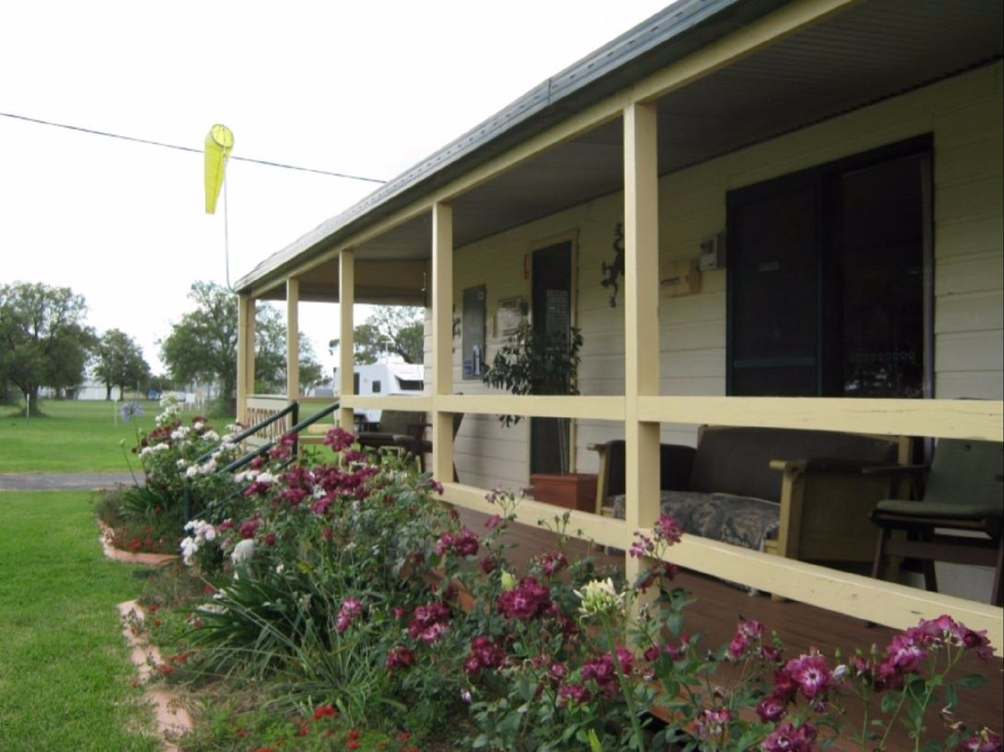 Narromine Aerodrome Tourist Park and Motel - eAccommodation