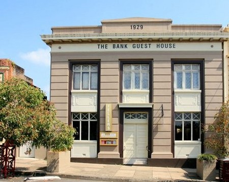 The Bank Guest House  Tellers Restaurant - eAccommodation