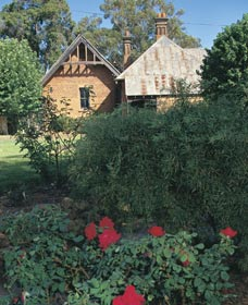 Heritage Rose Garden - eAccommodation