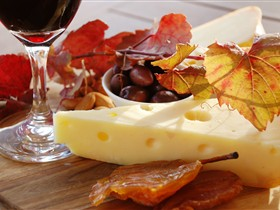 McLaren Vale Cheese and Wine Trail - eAccommodation