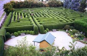 Westbury Maze and Tea Room - eAccommodation